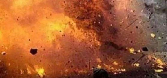 मस्जिद में बम धमाका, इमाम सहित 12 नमाजियों की मौत, कई घायल