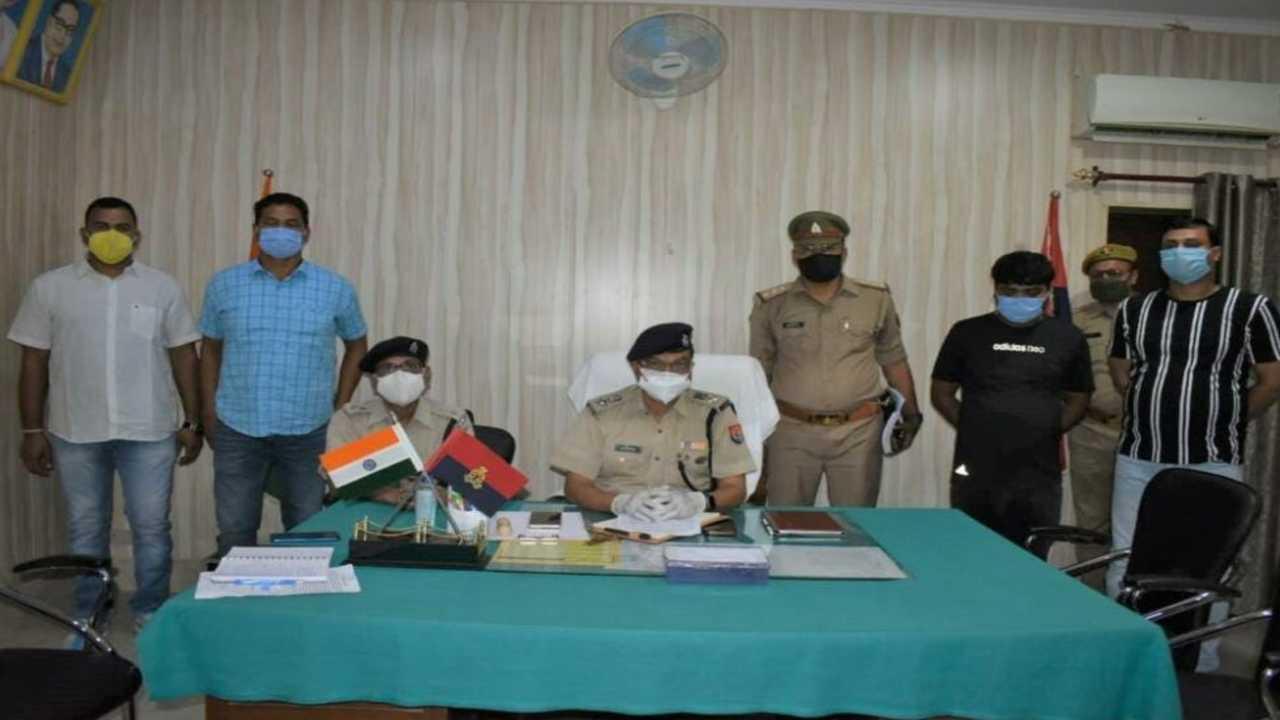 कासिमाबाद। लूटे हुए डम्फर व ट्रेक्टर के साथ शातिर गिरफ्तार