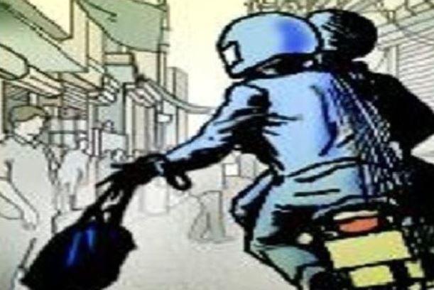 अमृतसर Amritsar में बड़ी वारदात, लुटेरों में व्यापारी से लूटे पांच लाख